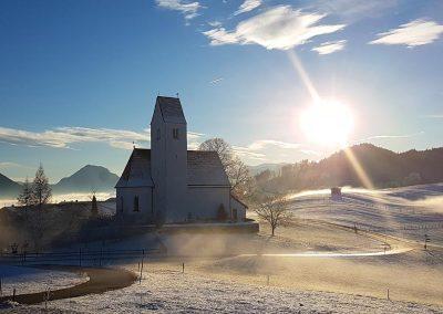 rieplhof_kirche_steinkirchen_winter