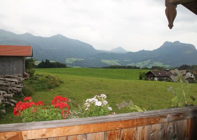 Ausblick ins Alpenhochtal Samerberg